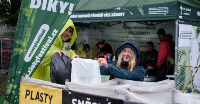 trideni_odpadu_festival_plasty_smesny_odpad