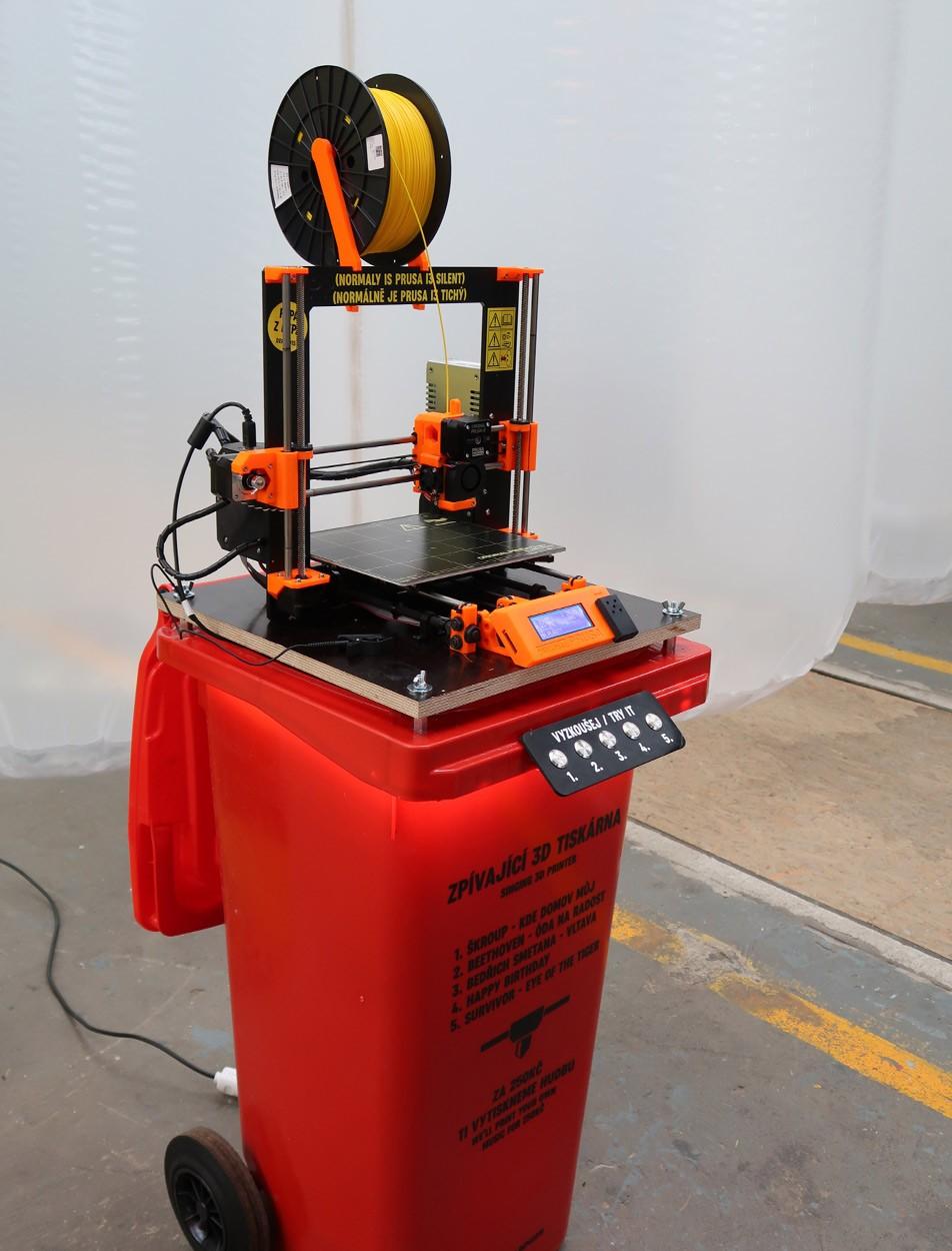 3D_tiskarna_kontejner_plast
