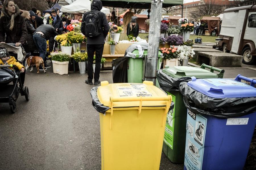 kontejnery_trideni_plast_papir_plast_sklo_kulatak