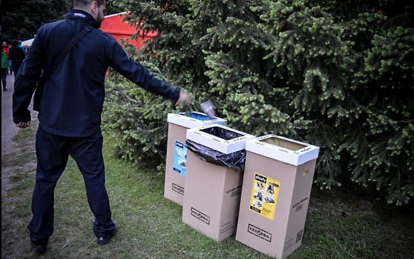 samosebou_trideni_odpadu_plast_papir_komunalni_odpad