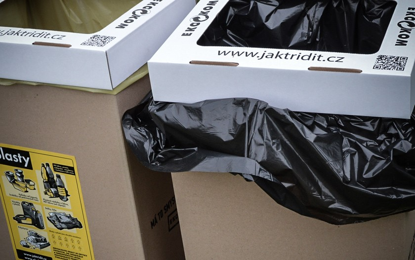trideni_odpadu_samosebou_plast_smesny_komunalni_odpad