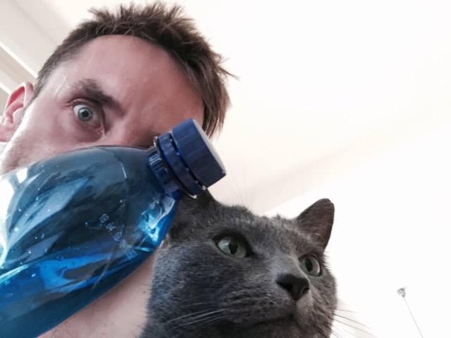 jakub_zacek_pet_lahev_plast_recyklacelebrity_samosebou