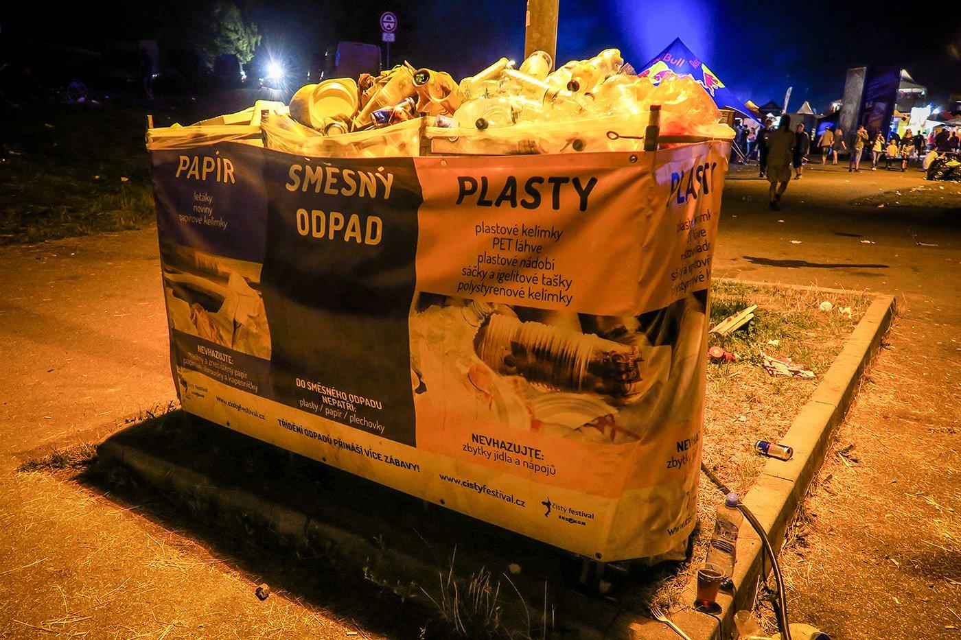 cisty_festival_projekt_samosebou_tridici_kos_plasty_smes_odpad_papir