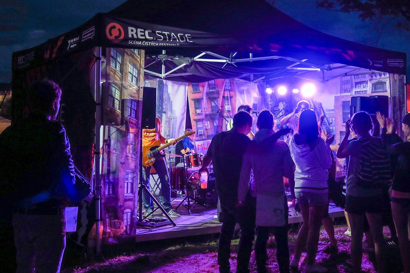 cisty_festival_projekt_samosebou_stage_koncert_festak