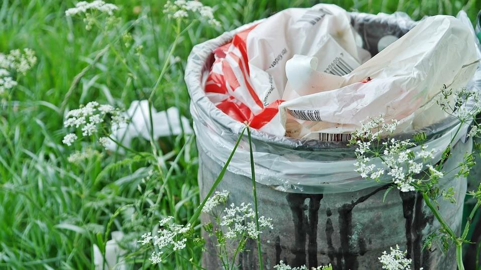 popelnice_odpadky_odpad_samosebou