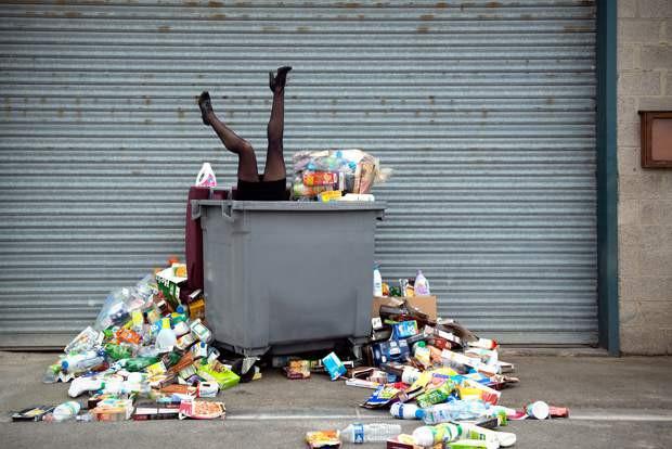 antoinerepesse_365_dni_odpadku_odpadky_kontejner