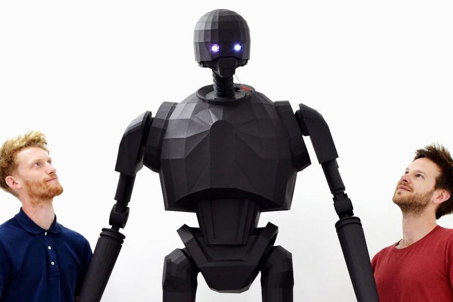 robot_karton_papir
