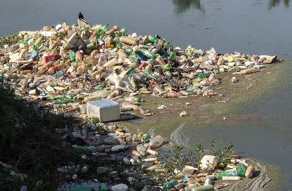plastovy_odpad