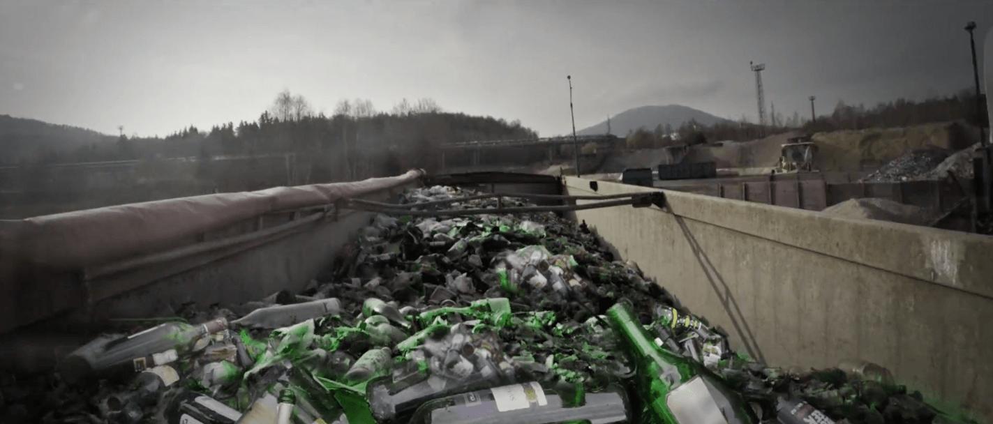 svoz_sklo_trideni_recyklacni_proces_strepiste