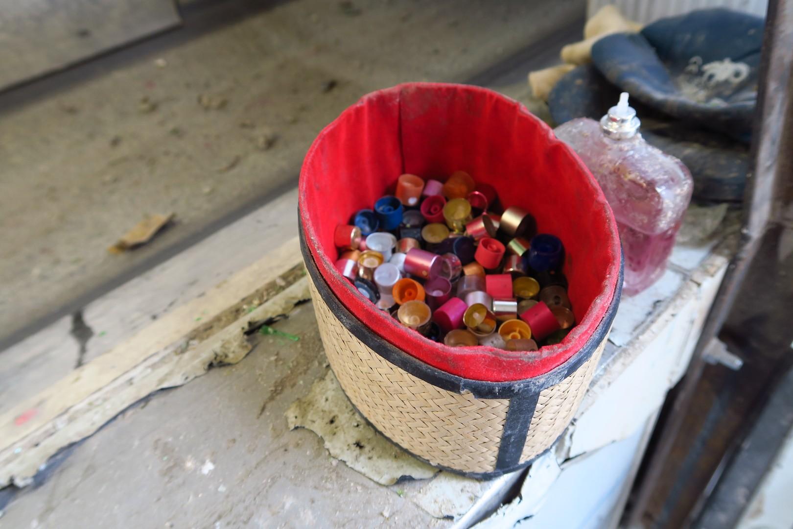 rucni_dotrideni_sklo_plast_flakon_recyklace