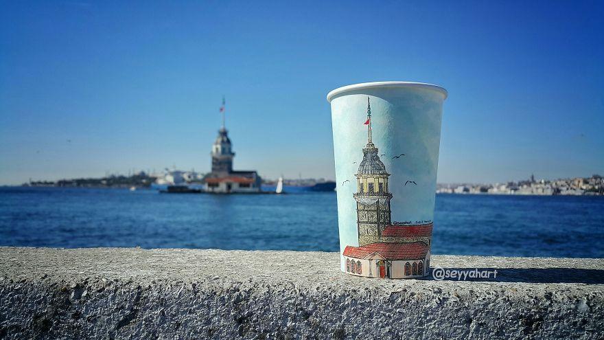 vyhozeny_kelimek_streetart_art_istanbul