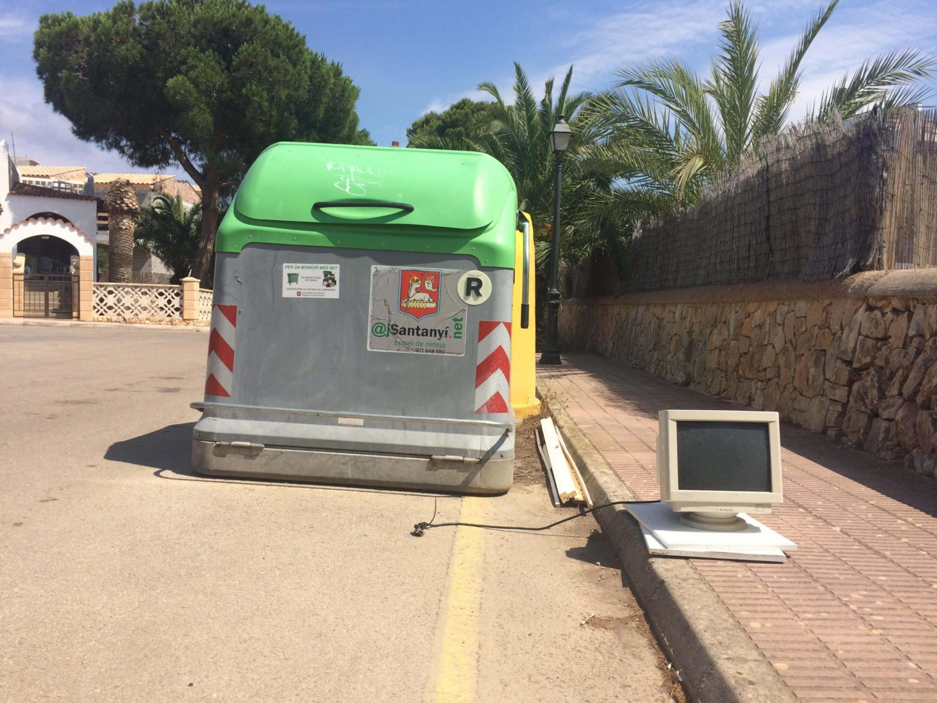 barcelona_spanelsko_trideni_elektronika_pocitac_elektroodpad