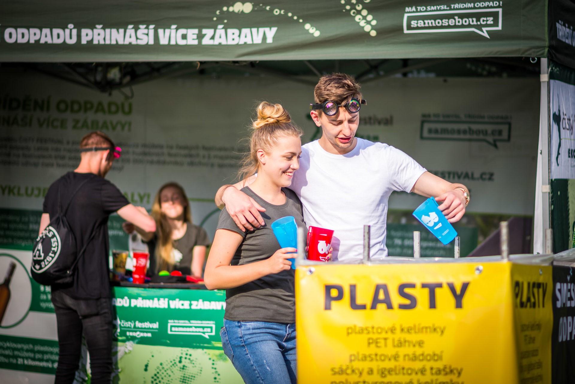trideni_samosebou_cisty_festival_majales_tridit_odpad_obal_edukace_tridici_kos_plast