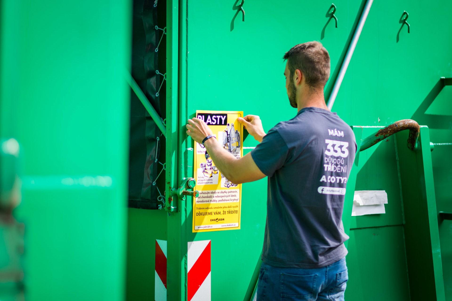 Příprava velkoobjemových kontejnerů vzázemí