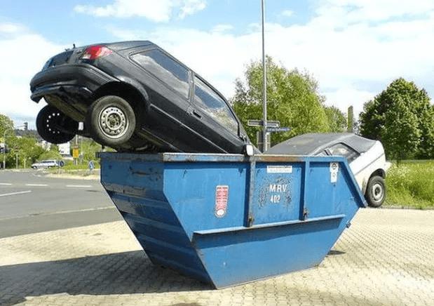 nalezy_z_popelnic_velkoobjemovy_kontejner_auto