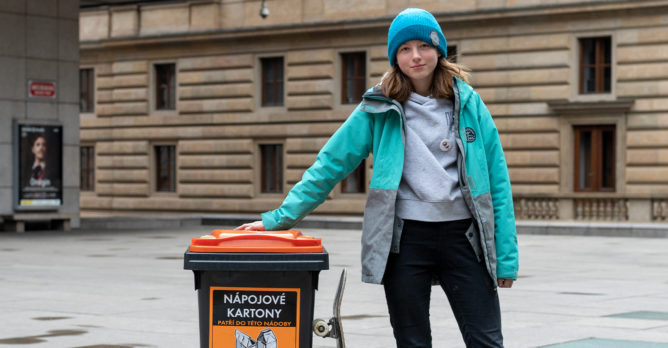 rozhovor_antonie_bakosova_skate_kontejner_napojove_kartony_oraznzovy