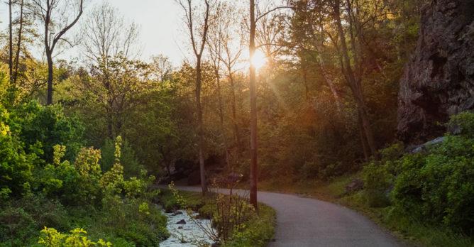 cistou_prirodou_krajina_zapad_slunce