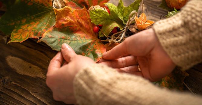 podzimni_upcyklace_listy_podzim_dekorace_tvoreni_diy